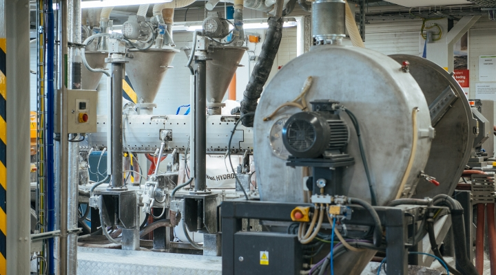 SILON started production on the new Buss line